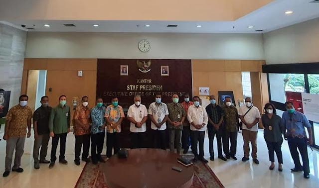Herry Ario Naap dan Tim Unit Percepatan Pembangunan Biak Numfor Temui Staf Presiden dan Wapres.lelemuku.com.jpg