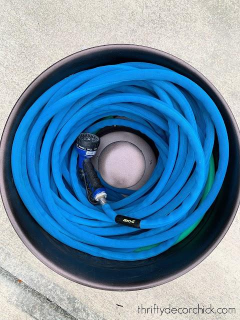Metal hose holder