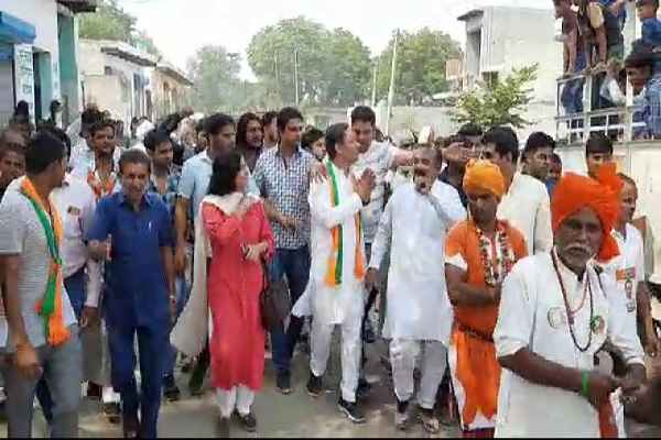 sohanpal-chhokar-thanks-asawati-village-people