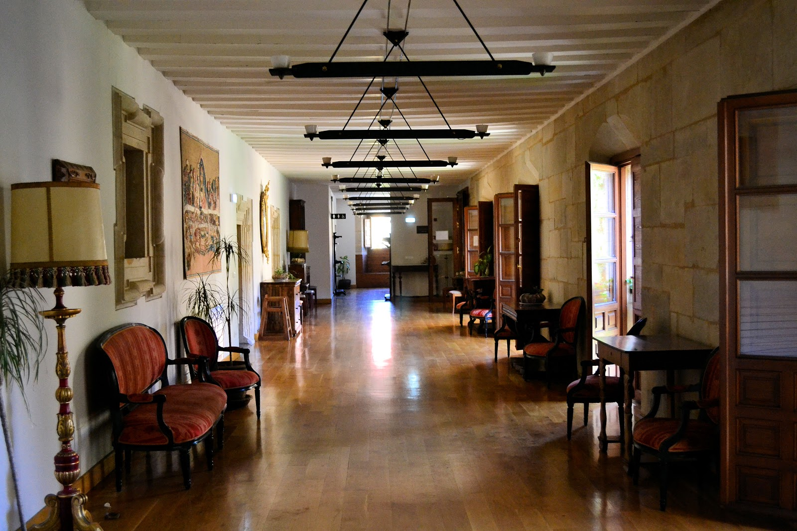 The Royal Collegiate of Saint Isidoro Hotel second-floor interior.