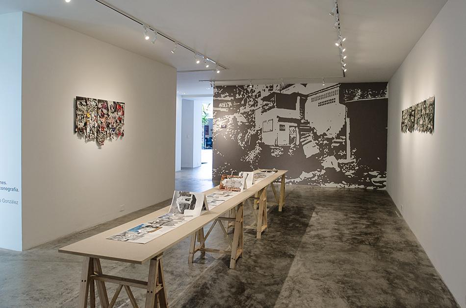 Vista de sala de la exposición en la galería Spazio Zero