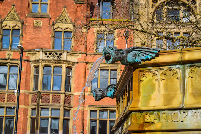Exploring Manchester - Albert Square water feature