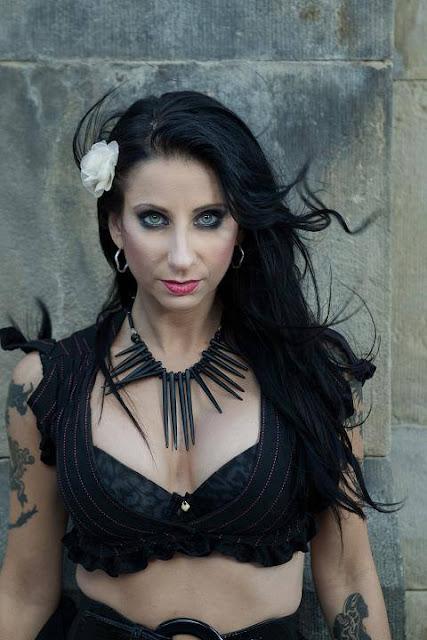 Φωτορεπορτάζ της τραγουδίστριας Liv Jagrel