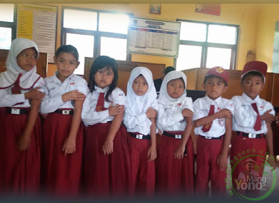 Bulan Imunisasi Anak Sekolah di SDN Munjul Jaya