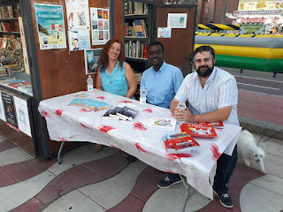 Firmas en la Biblioplaya de Almería