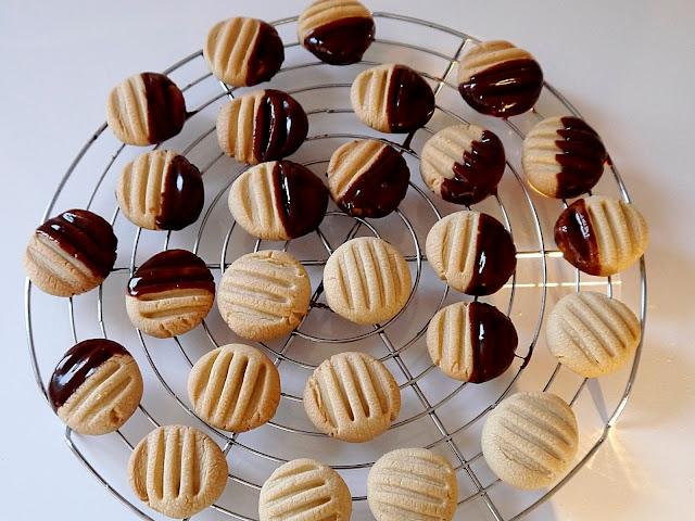 Kruche ciasteczka maślane - Czytaj więcej »