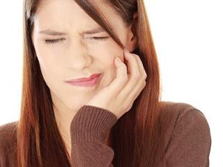 Cấy răng implant có nguy hiểm không, có đau không ?