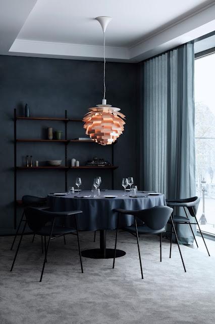 Dunkelblaues Design, dunkle Einrichtung, unsichere Zeiten? Nestbau im neuen Jahrtausend! Vorgestellt von GramFratesi im Copenhague Restaurant, Paris
