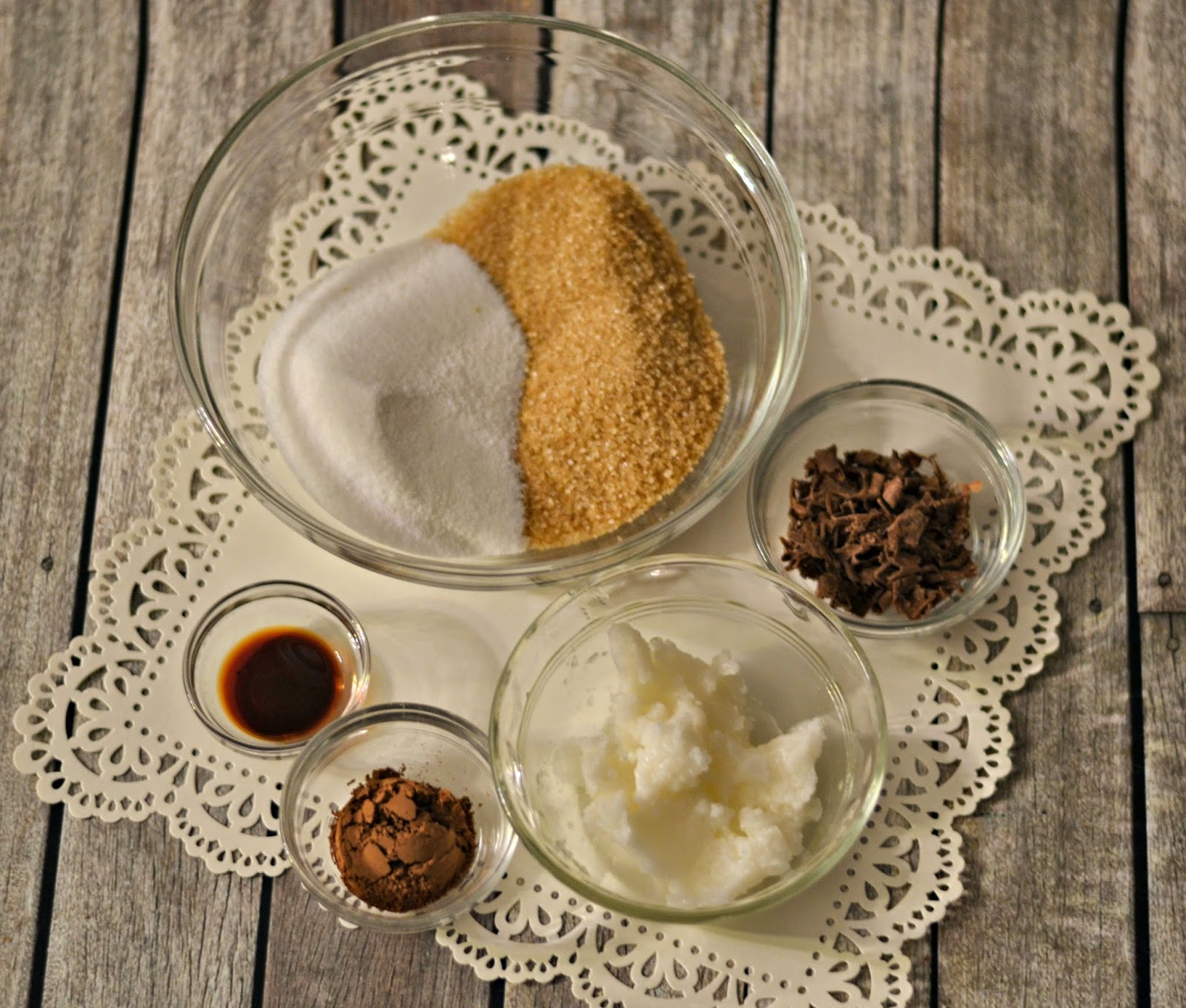 Chocolate Sugar Scrub Recipe #DIY - Valentines Day Gift.  Valentines Day gifts for girlfriends.  DIY Valentines Day gifts.  Sugar scrub recipes.  Easy Sugar scrub.  Chocolate sugar scrub.
