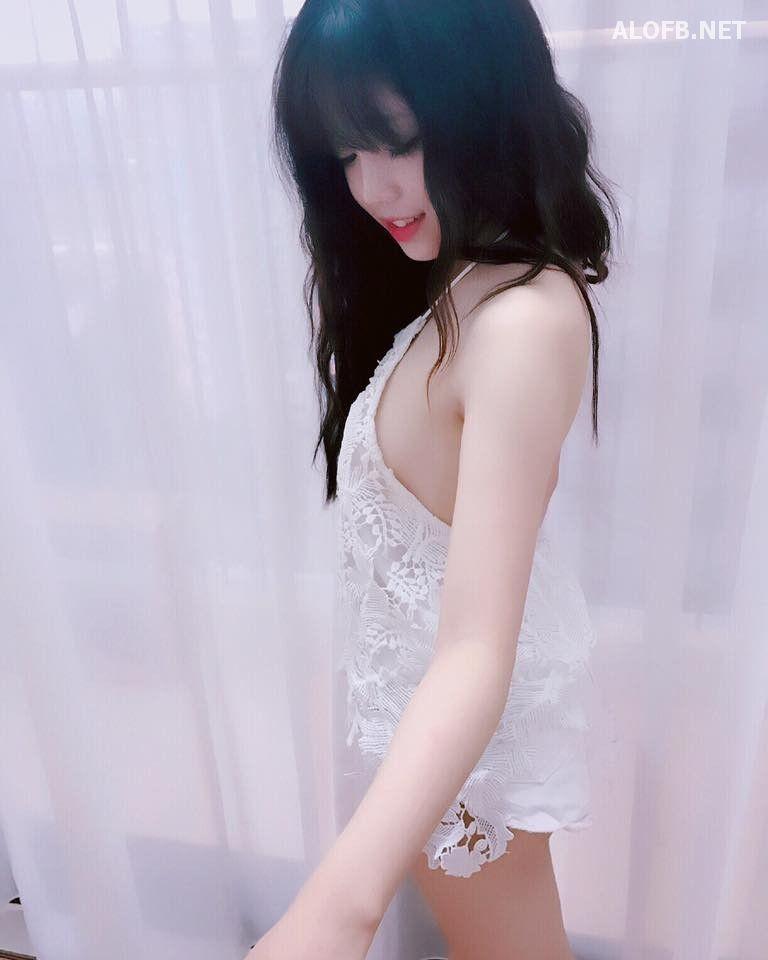 OhGai.Net hot girl fb 0026071116 alofb.net - Streamer LMHT Linh Ngọc Đàm cực SEXY với Bikini