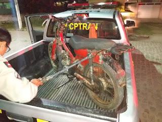 Em Juarez Távora, policiais do 4º BPM prendem suspeito de embriaguez ao volante e apreendem moto