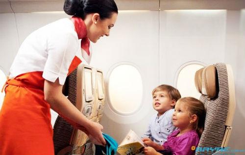 Trẻ em đi máy bay có cần giấy khai sinh?