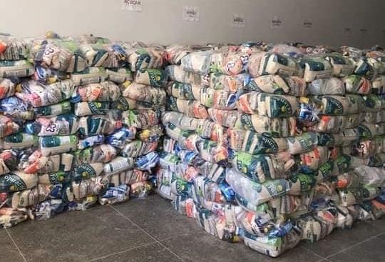 Prefeitura de Seabra inicia distribuição de cestas básicas  para as Associações Quilombolas do Município