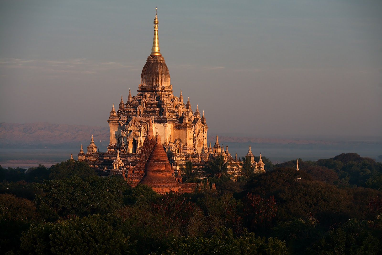 Thatbyinnyu Temple,bagan,birma
