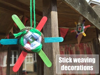Lollipop stick weaving decorations for the garden