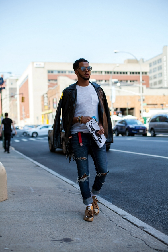 Mens street style new york fashion week mens gold shoes torn jeans leather jacket with tshirt the stylepreneur angel david verde 2016