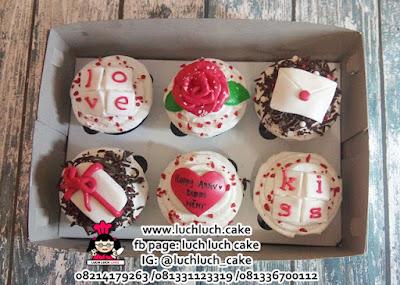 Cupcake Anniversary Buttercream + Coklat