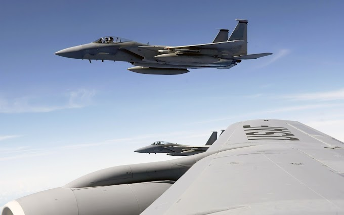 Caça F-15 Eagle para Plano de Fundo