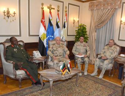 الفريق / محمد فريد يلتقى قائد القوات المسلحة الزامبية