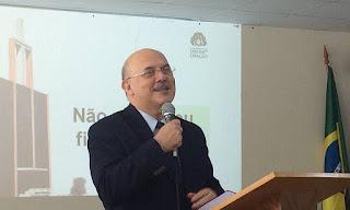 Bolsonaro anuncia pastor Milton Ribeiro como novo ministro da Educação
