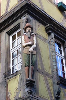 Particolare della scultura della Casa Zum Kragen di Colmar