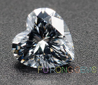 Highest_Quality_Cubic_Zirconia_White_Heart-shape-Gemstones_China_wholesale