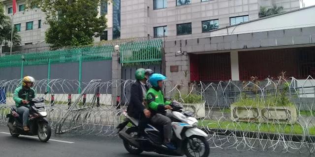 Antisipasi Unjuk Rasa, Gedung Kedubes China Dipasang Kawat Berduri