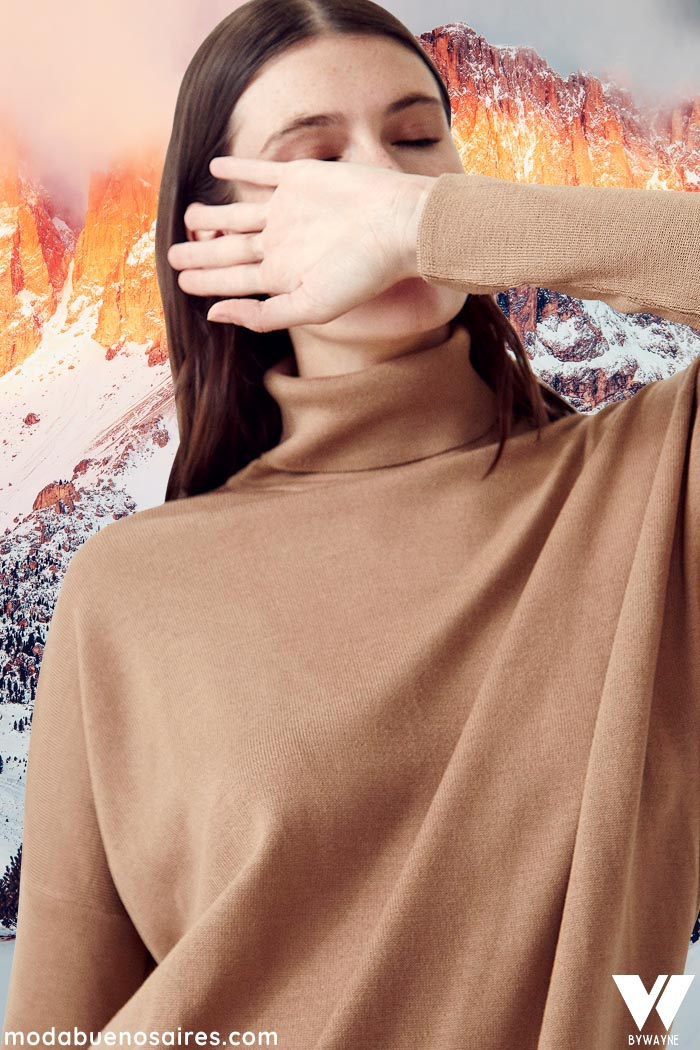 Polera color tostado invierno 2021 moda mujer