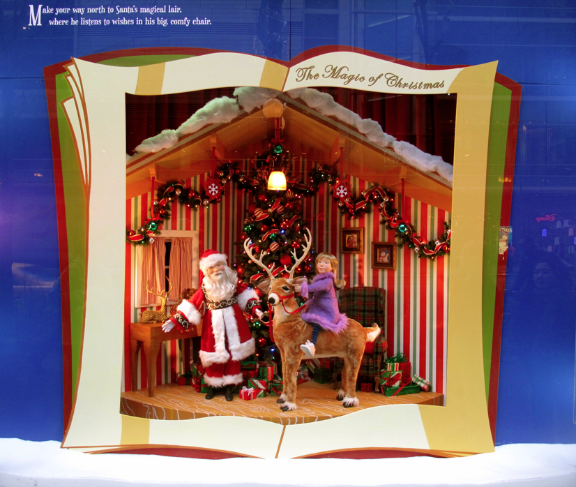 Macys Outlet Chicago: Cheerful Thrifty Door: Macy's Christmas Window Display On