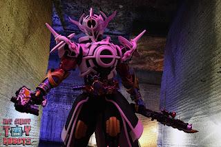 S.H. Figuarts Kamen Rider Evol Black Hole Form (Phase 4) 27