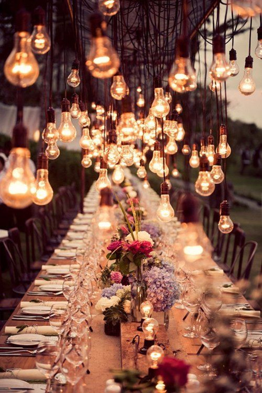 Stunning lightbulbs wedding ideas for autumn