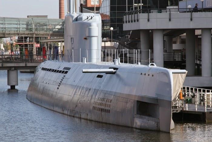 world war ii in pictures type xxi u boat forerunner of