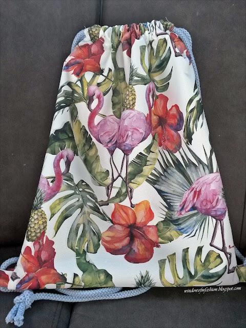 Plecako worek z flamingami