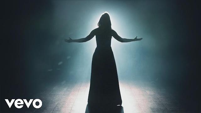 """""""O Que é o Seu Mundo?"""": Anayle Sullivan lança primeiro clipe do novo álbum"""