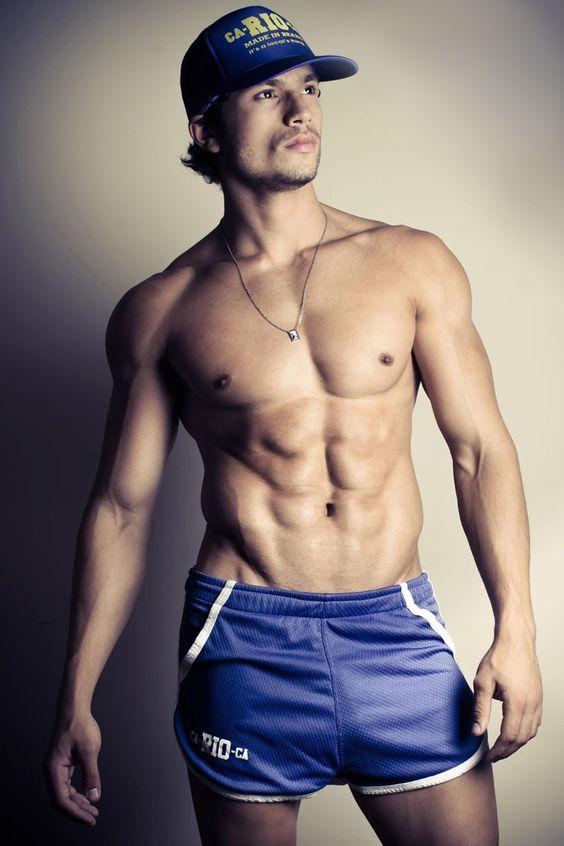 fit-shirtless-hot-brazilian-guys