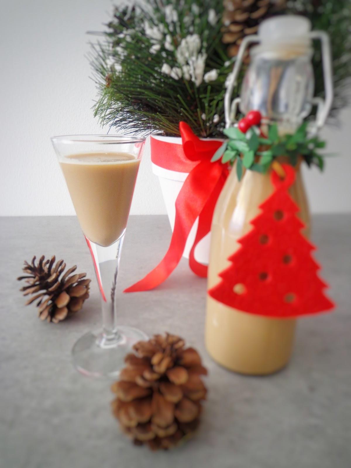 Domowy likier kawowy (Liquore alla crema di caffè)