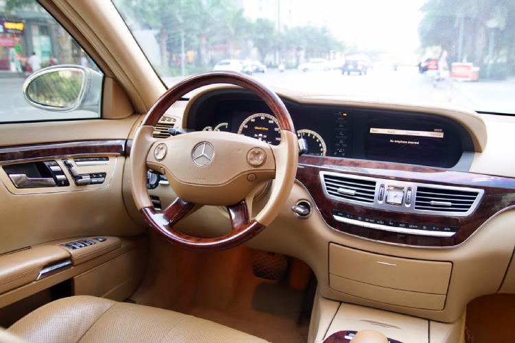 Xe sang Mercedes-Benz S550 dùng 10 năm, giá ngang Mazda3