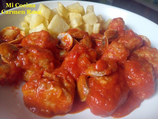 Pintarroja Y Almejas Con Tomate Frito