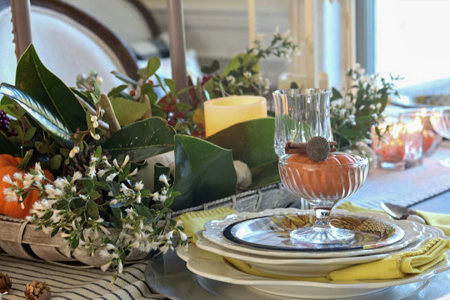 tablescape, blue, white, centerpiece, natural, floral, berries, magnolia, athomewithjemma.com