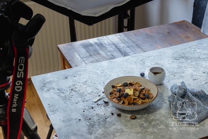 Sztuczne oświetlenie w fotografii kulinarnej - część 2 z 2: Jak zrobić zdjęcie przy użyciu lampy światła ciągłego oraz błyskowego?