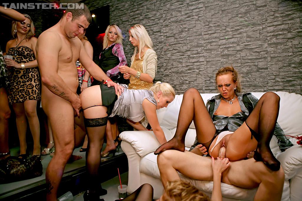 того момента вечеринки в клубе зрелых женщин порно видео ставлю свои колени