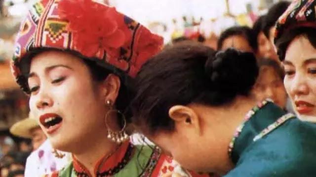 Calon Pengantin Wanita Harus Menangis Satu Bulan Penuh