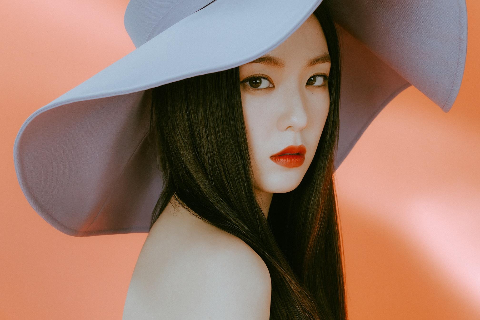 Red Velvet Irene (2016x1344) 4K / UHD Wallpaper