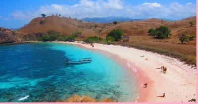 Pink Beach, Pulau Komodo, Nusa Tenggara Timur - berbagaireviews.com