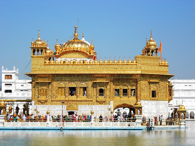 14 Insanely Photogenic Historical Places in North India, golden temple