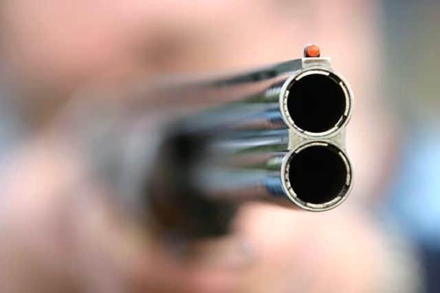 Απίστευτος θανάσιμος τραυματισμός κυνηγού από εκπυρσοκρότηση όπλου