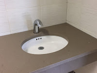 picture of sink and faucet.
