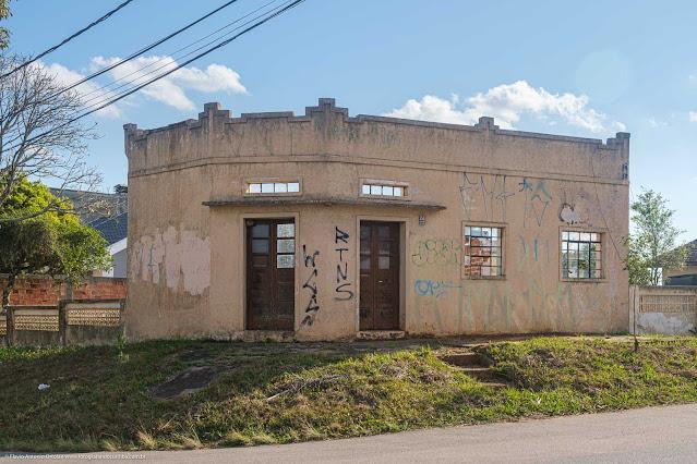 Uma fachada na Domingos Greca