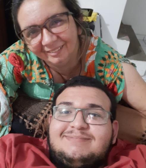 Mãe volta a enxergar após transplante de córnea doada pelo filho no interior da Paraíba