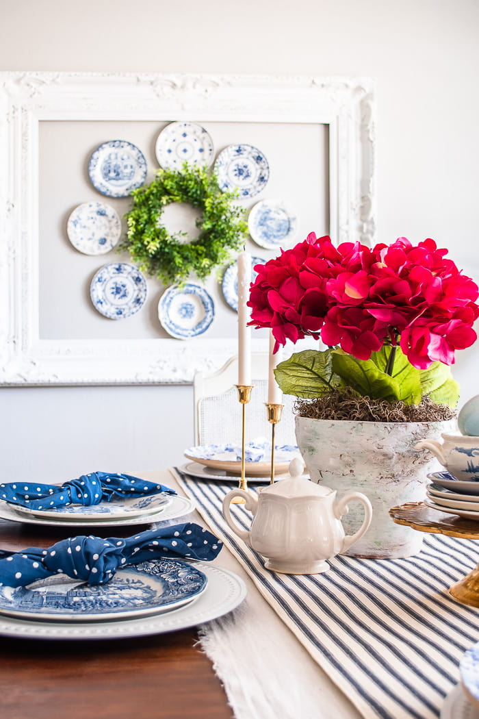 blue and white Spring dining room decor